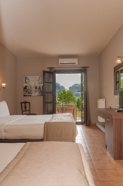Photo Gallery: Triple room in the garden (Meteora view)