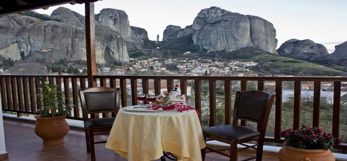 Quadruple room in the garden (Meteora view)