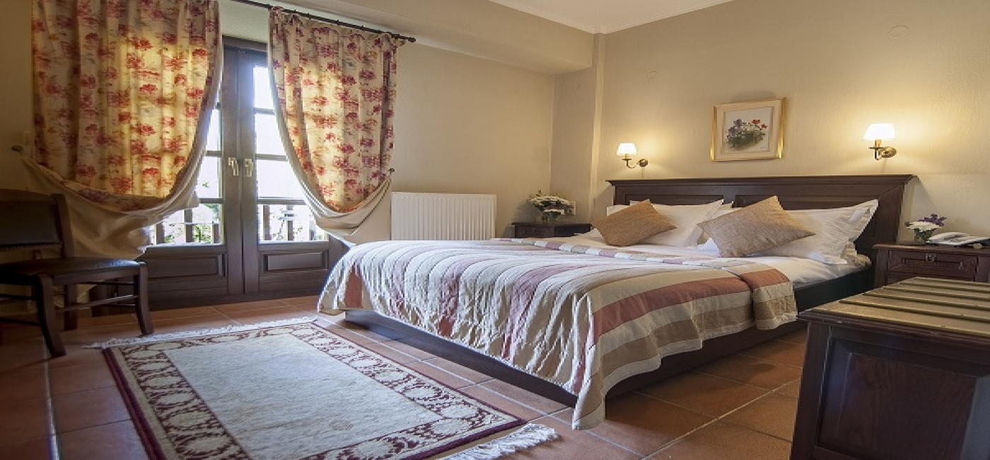 Double room (Meteora and rocks view)