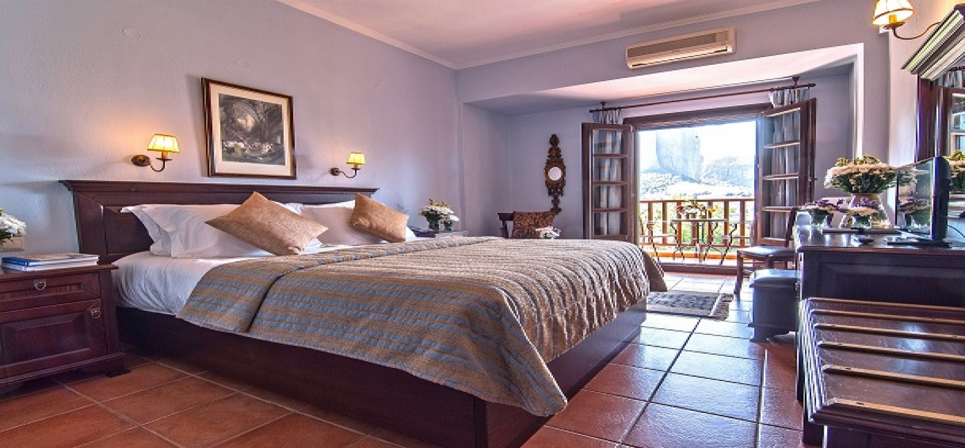 Superior Double room (Meteora panoramic view)